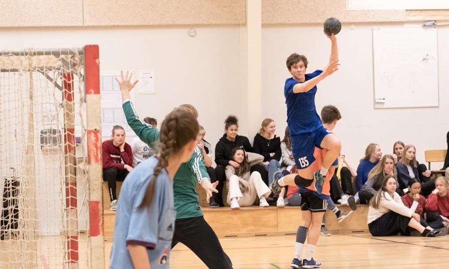 Kæmpe drama i håndboldhallen
