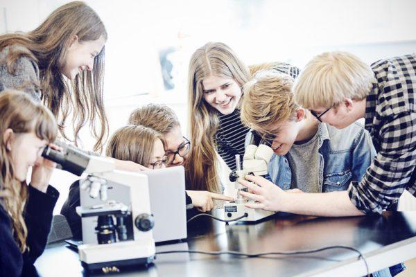 Læring-forside-Brøruphus-Efterskole-600×400