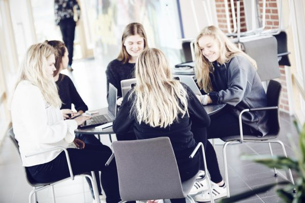 Lektiecafe-Brøruphus-Efterskole-600×400