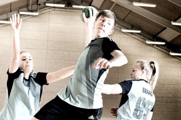 broeruphus-efterskole-haandboldlinjen-600×400